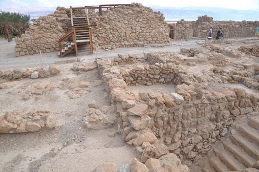 Развалины монашеского поселения общины евсеев