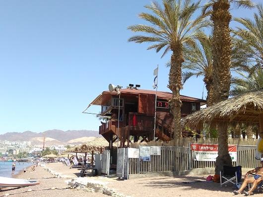 Пляжи отелей Херос и Дан идеально подходят для семейного отдыха