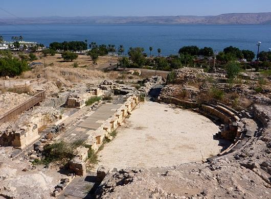 Вид на Римский театр со смотровой площадки
