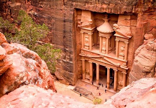 Дворец Аль-Хазна (царская усыпальница) – самое грандиозное сооружение в Петре