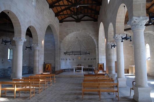 Интерьер Церкви Умножения Хлебов и Рыб в Табхе