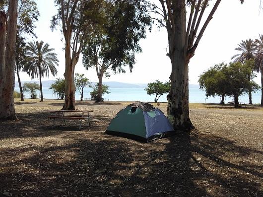 Пляж Дугит на озере Кинерет