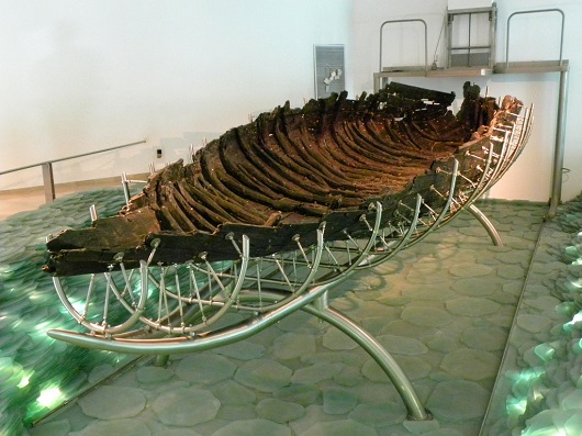 Лодка времен Иисуса в музее кибуца Гиносар